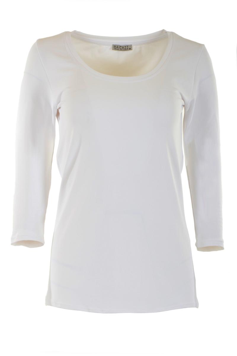T-shirt met 3/4 mouw en ronde hals gemaakt van mooie elastische kwaliteit. Pasvorm: aansluitend