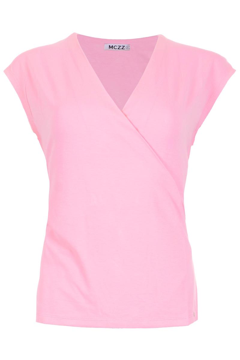 Top Torazia is een mooie mouwloze top van Viscose Lycra kwaliteit kwaliteit. De top heeft een ronde hals met V-decollete en een overslag design. Torazia valt normaal qua maat en is te verkrijgen in het Soft Pink en Offwhite.    <ul> <li>Mouwloos</li> <li>V-hals</li> <li>Overslag</li> <li>Wikkel design</li> <li>Viscose Lycra kwaliteit</li> <li>Model Torazia</li> <li>Valt normaal qua maat</li> <li>Te verkrijgen in het Soft Pink en Offwhite.</li> </ul>