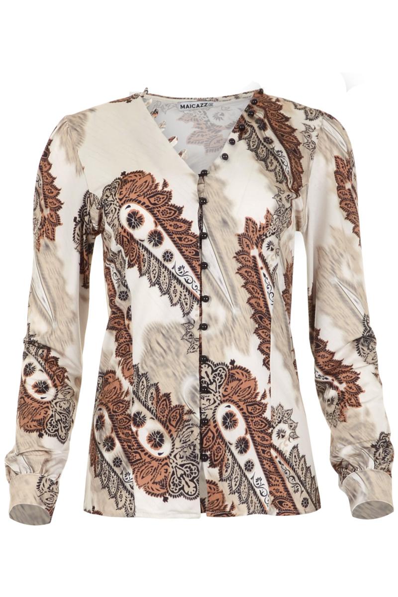 Luxueuze blouse Vicky is gemaakt van de heerlijke kwaliteit poly viscose elastaan. De blouse heeft een V-hals en een doorlopende knoopsluiting met halfronde knopen. Vicky heeft lange mouwen en manchetten met een enkele knoop. Aan de mouwkop heeft ze subtiele plooien en het voorpand heeft een extra dimensie gekregen door de gezette deelnaden. Blouse Vicky valt normaal qua maat en is verkrijgbaar in het Desert Paisley en Purple Deco.    <ul> <li>V-hals</li> <li>Doorlopende knoopsluiting</li> <li>Halfronde knopen</li> <li>Knoopsluitingen doorlopend op V-hals.</li> <li>Lange mouwen</li> <li>Manchetten met enkele knoop</li> <li>Plooien aan de mouwkop.</li> <li>Blouse</li> <li>Model Vicky</li> <li>Valt normaal qua maat</li> <li>Maicazz herfstcollectie 2021</li> <li>Poly viscose elastaan kwaliteit | (95% Poly 5% EA)</li> <li>Te verkrijgen in het Desert Paisley en Purple Deco.</li> </ul>